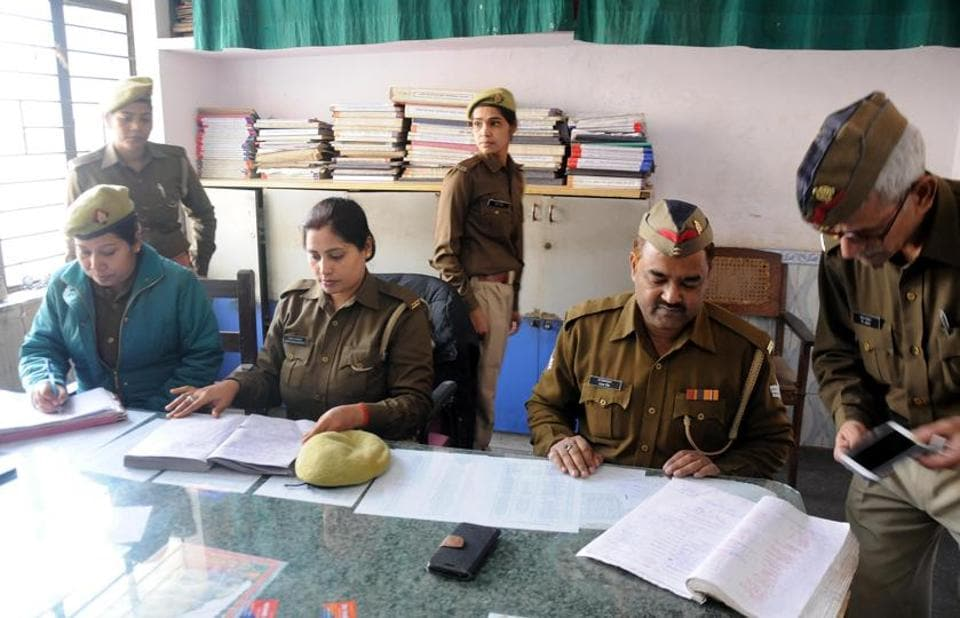 Cops at Gudamba police station making preparations ahead of the inspection by IG JN Singh, in Lucknow.