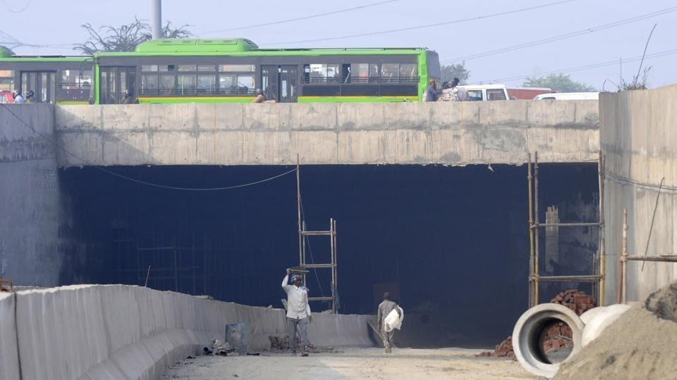 Noida,public,infra project