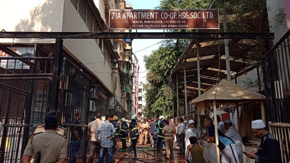 A fire broke out at Nagpada's Zia building located on Bellasis Road in Mumbai Central. (Kunal Patil / HT Photo)