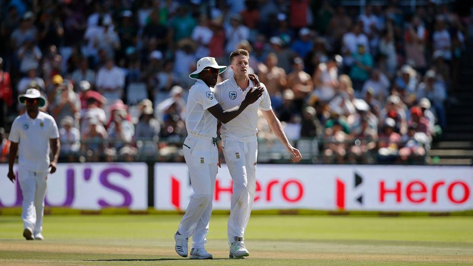 Morne Morkel dismissed Bhuvneshwar Kumar to break the stand as India neared 200. (AFP)