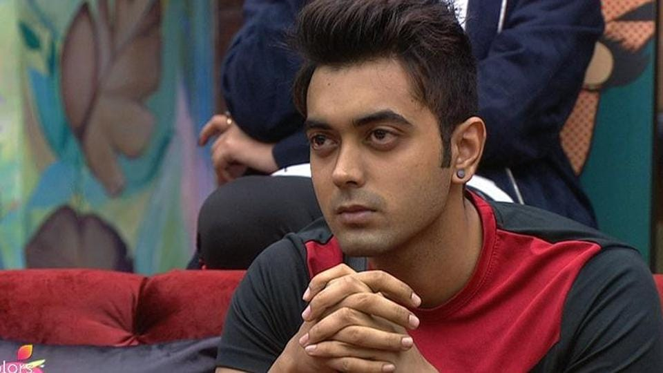 Luv Tyagi feels Akash does not deserve to stay in the Bigg Boss 11 house.