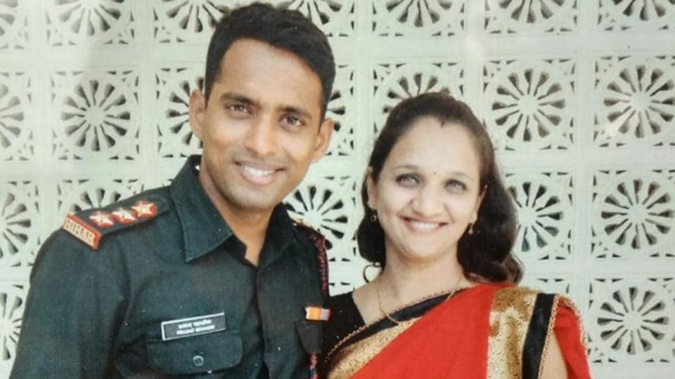 Major Prasad Mahadik with wife Gauri