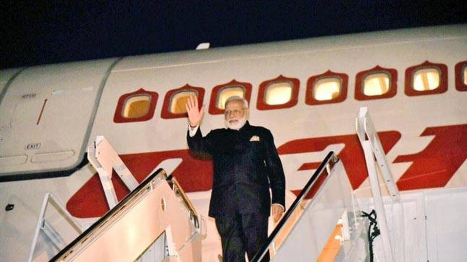 Modi and Jaitley to attend World Economic Forum meeting