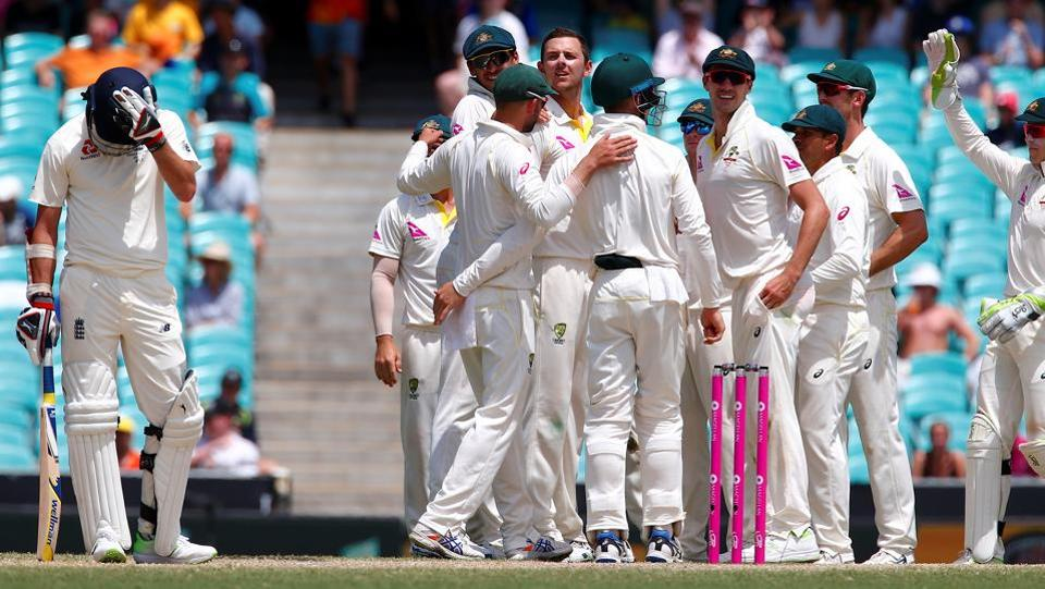 Australia won the final Ashes Test match at Sydney by an innings and 123 runs to clinch the Ashes series 4-0.  (REUTERS)