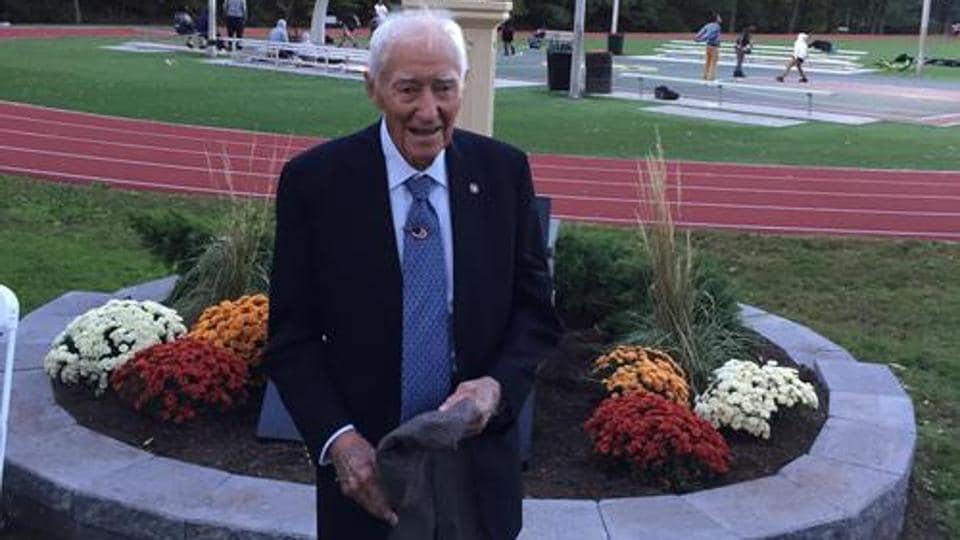 Horace Ashenfelter won the steeplechase gold at the 1952 Helsinki Olympics.