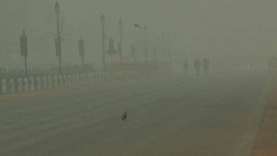 A foggy morning at India Gate inNew Delhi on Tuesday. Operations at the Indira Gandhi International (IGI) Airport were affected due to low visibility and at least seven flights were delayed.