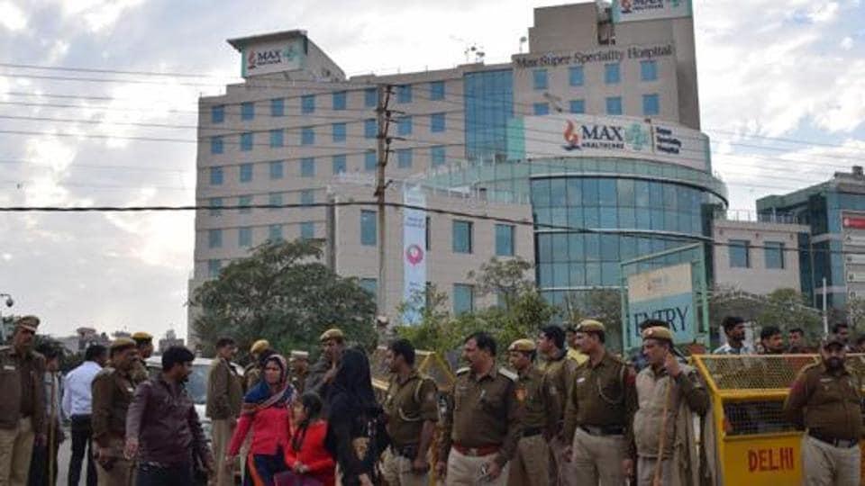 Max hospital,Shalimar Bagh,Max licence