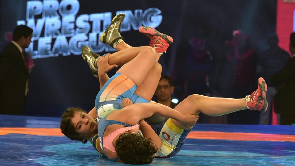 While Sakshi Malik won her bout, the Pro Wrestling League received a modest response on Tuesday.