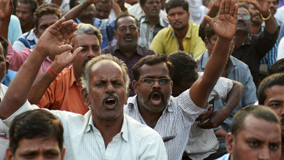 Tamil Nadu transport unions end strike, to resume work from today