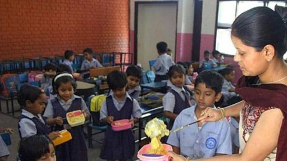mid-day meal,cash-strapped Punjab govt,HRD ministry