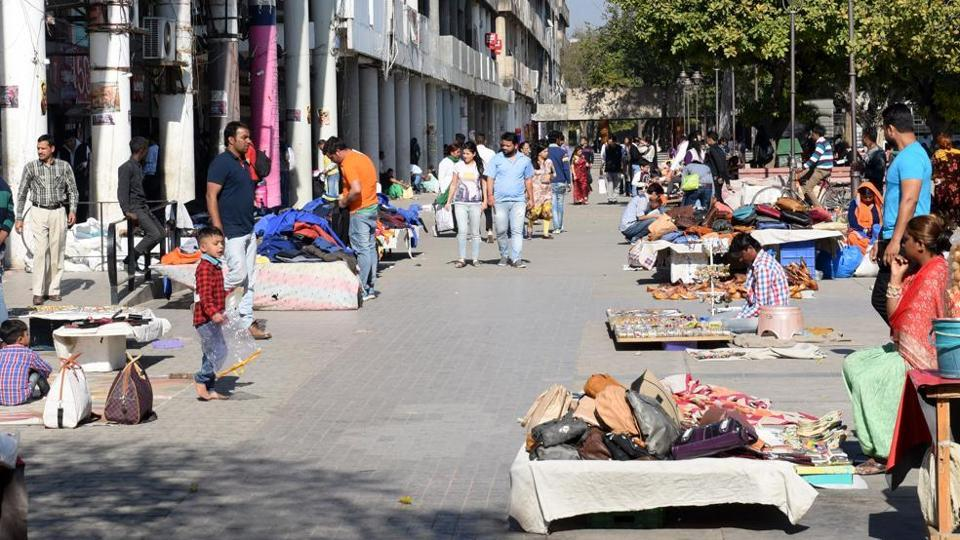 Street vendors at the Sector-17 Plaza. The registration camps that are being organised by the MC are not attracting vendors.