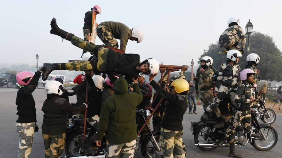 The 27-members of the daredevil team, drawn from various combat ranks of the force expect to bring in cheers when they showcase their stunts and acrobatics riding 350 CC Royal Enfield Bullet motorcycles. (Vipin Kumar / HT Photo)