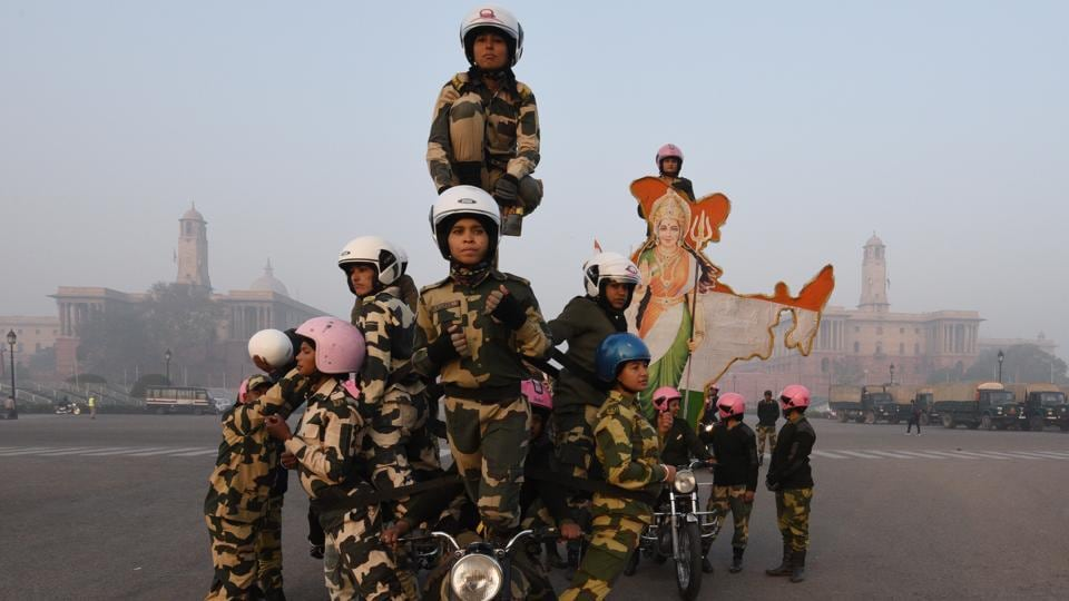 A newly-raised all-woman bikers' contingent of the Border Security Force (BSF) practices on the first day of rehearsals ahead of their debut on Republic Day 2018. (Vipin Kumar / HT Photo)