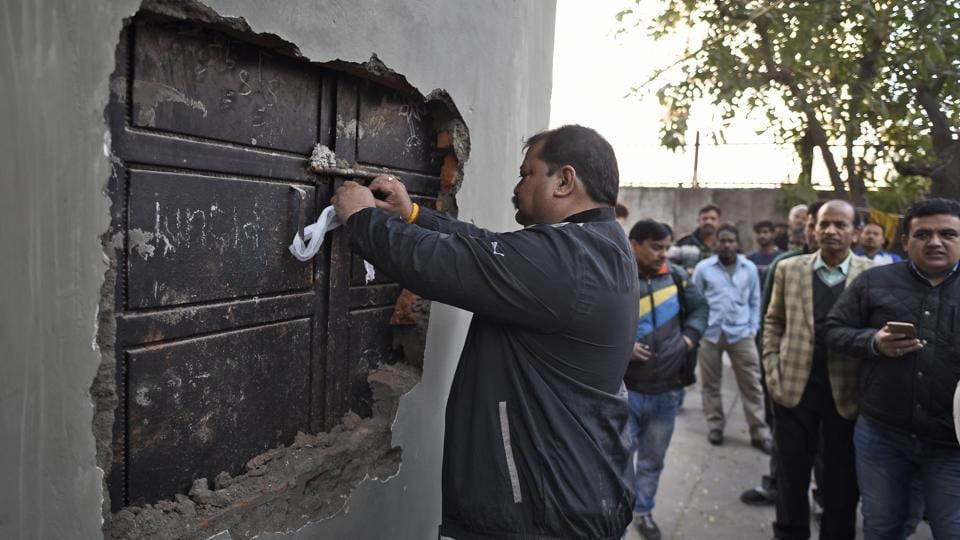 Around 130 shops in Meharchand Market, Lodhi Colony, were sealed on Wednesday for violation of municipal laws.