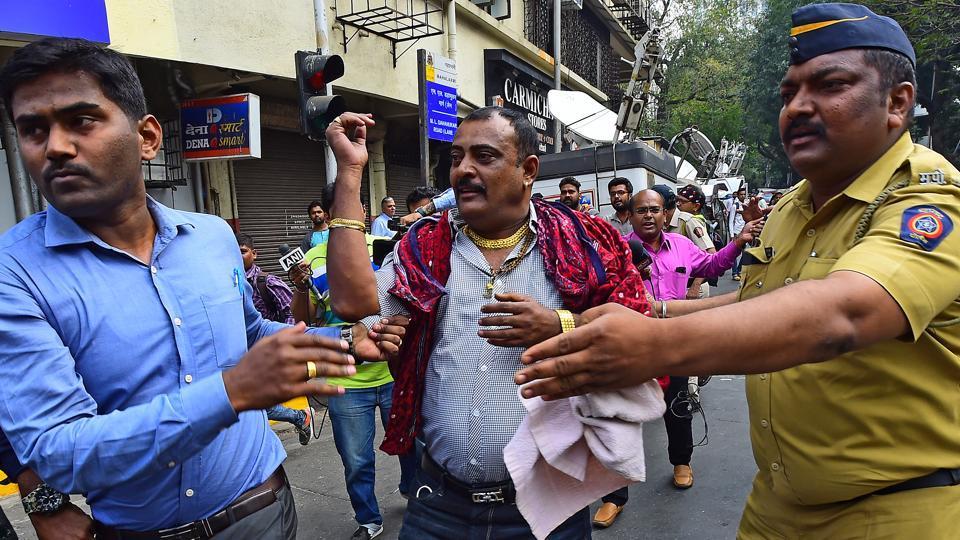 Karni Sena,Sanjay Leela Bhansali,Deepika Padukone