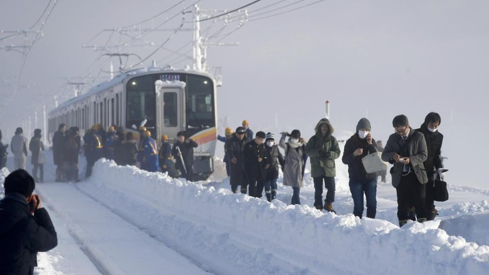 Japan,Heavy snow,Train