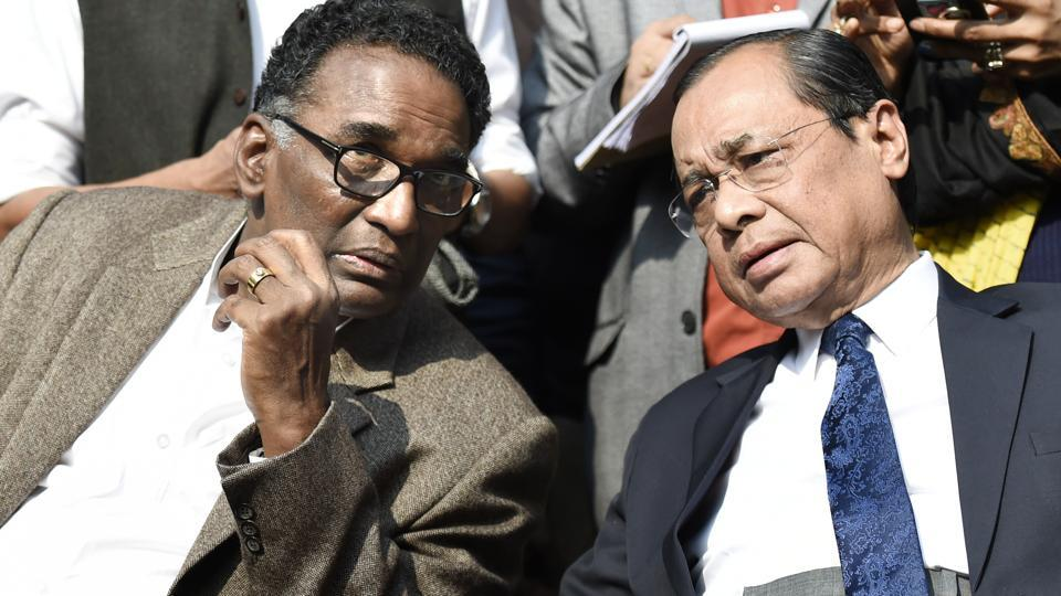 Supreme Court judges J Chelameswar (Left) and Ranjan Gogoi speak at a press conference on January 12, 2018.
