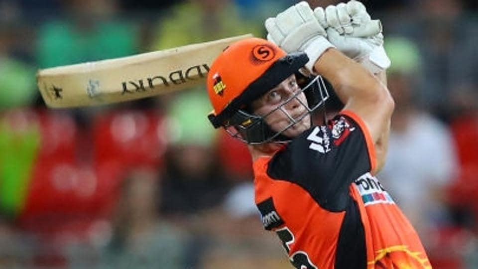 Hilton Cartwright guided Perth Scorchers to victory over Adelaide Strikers in the Big Bash League.