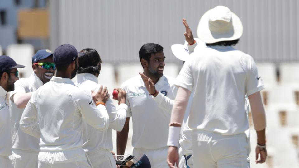 R Ashwin celebrates with teammates the dismissal of Quinton de Kock on the first day of the second Test between South Africa and India at the Supersport park Cricket Ground in Centurion. Follow full cricket score of India vs South Africa, 2nd Test, Day 1 here on Saturday.