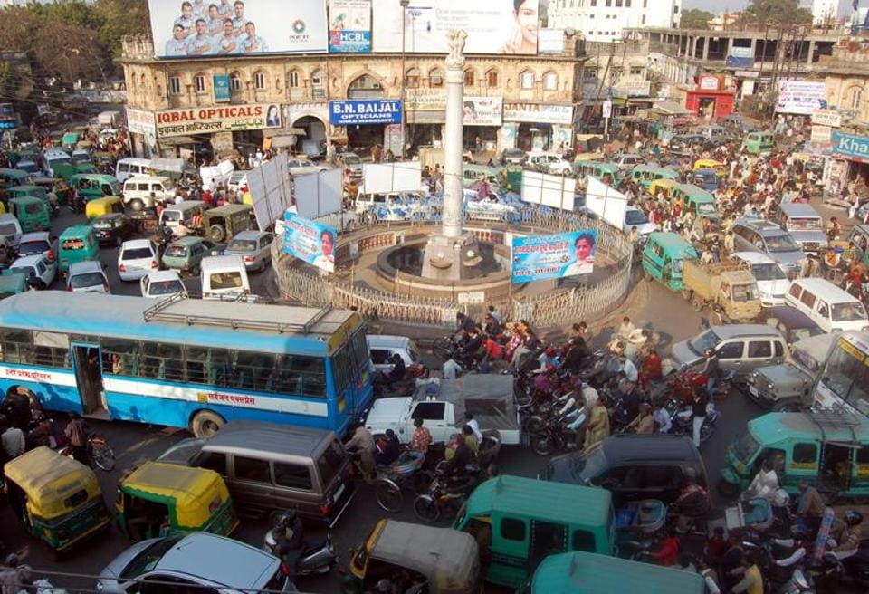 Busy Qaiserbagh crossing to be beautified.