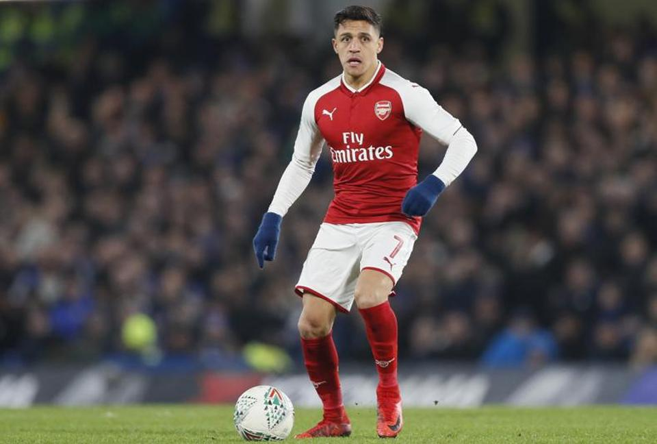Arsenal's Alexis Sanchez could snub Manchester City for a move to Manchester United.