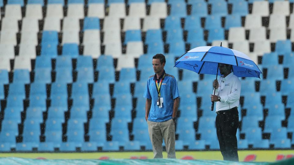 There was a short rain delay for close to an hour as South Africa looked to rebuild.  (BCCI)