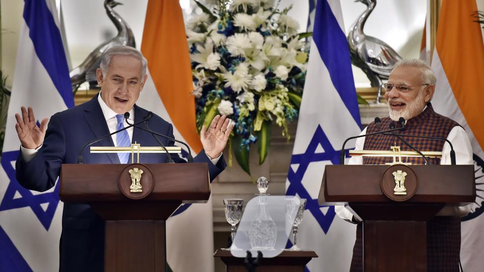 Prime Minister Narendra Modi (R) and Israeli Prime Minister Benjamin Netanyahu after a delgation-level meeting at Hyderabad House in New Delhi. Netanyahu, who arrived in New Delhi yesterday, held bilateral talks with Modi today after a visit to Rajghat. (Ajay Aggarwal / HT Photo)