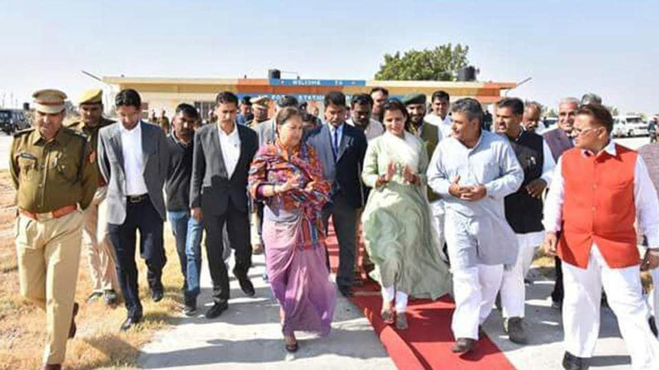 CM Vasundhara Raje reviews the preparations on the eve of PM Narendra Modi's Pachpadra visit, in Barmer on Monday.