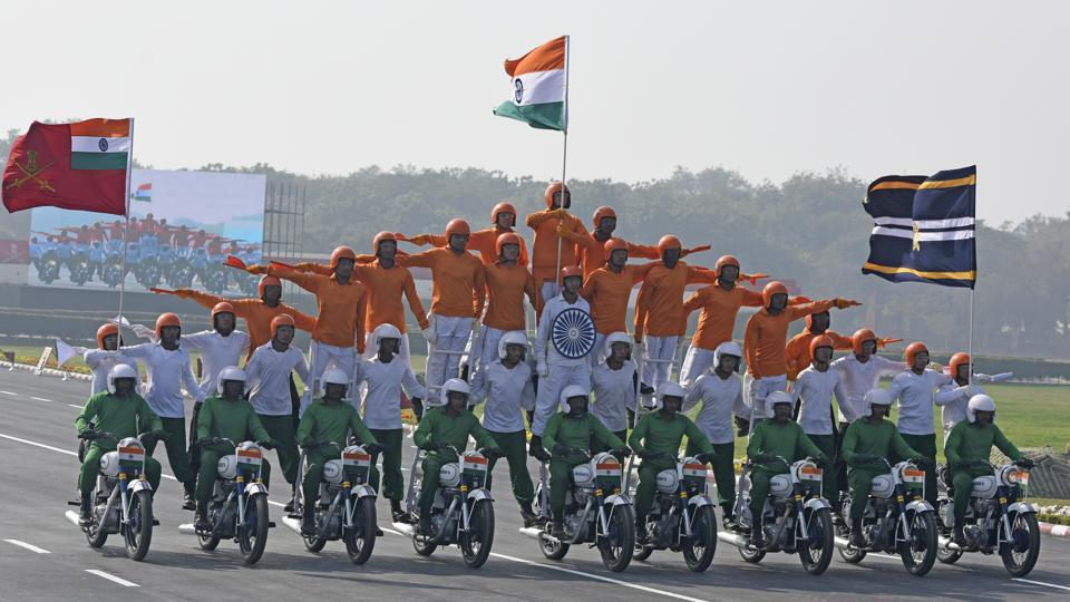 Indian Army performs on the 70th Army Day which was celebrated across the country on Monday. The day marks the occasion of Field Marshall KM Cariappa taking over as the country's first army commander-in-chief on January 15, 1949. (Burhaan Kinu / HT Photo)