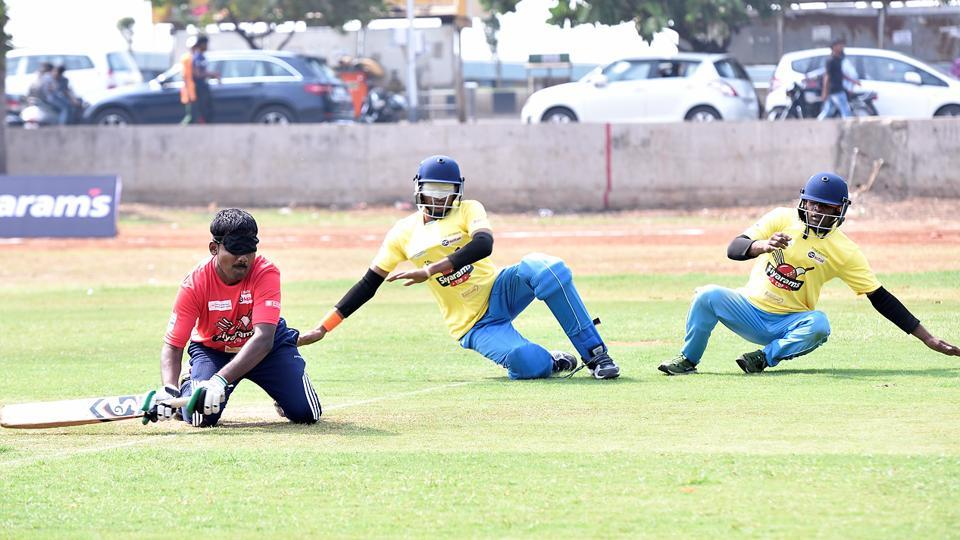 Players from Maharashtra and Punjab compete in the National Cricket Tournament for Blinds at Islam Gymkhana, Marine Drive, on Tuesday. (Anshuman Poyrekar/HT)