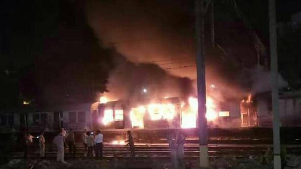 Thane fire,Central Railway,ring hydrants