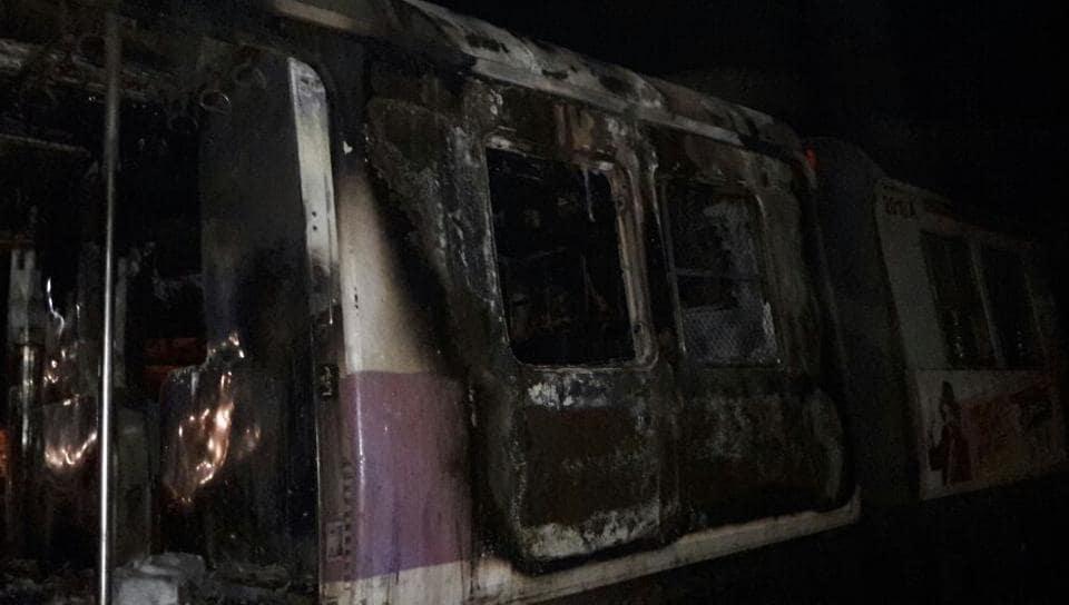 Trains fire,Thane fire,coach fire