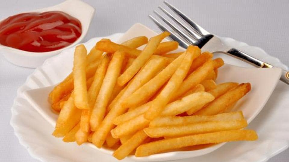 Fast food like cheeseburgers and fries have high levels of fats.