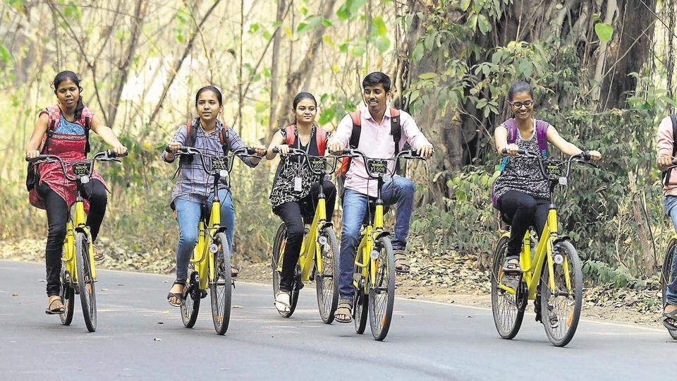 tudents using the Ofo cycles at the SPPU campus in Pune.