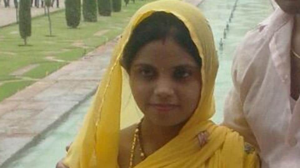 Rajni , who committed suicide.