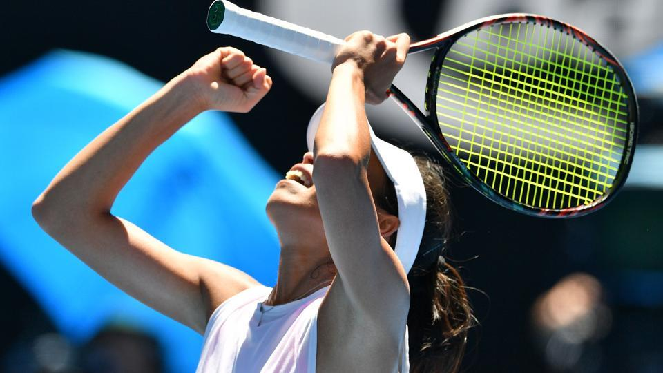 Wimbledon champ eliminated from Australian Open