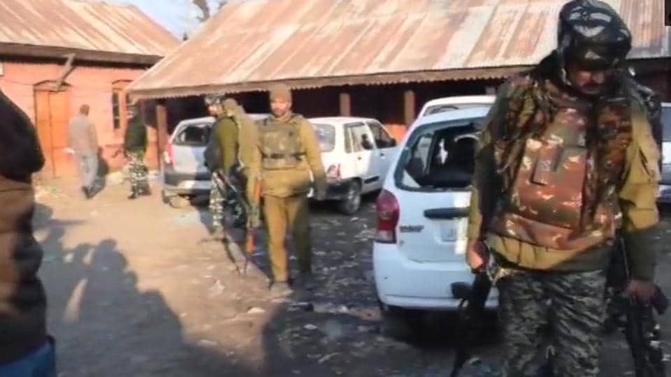 Pulwama,Grenade blast,Kashmir