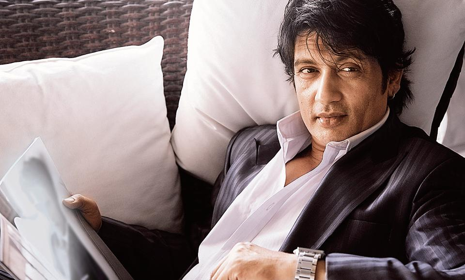 Actor Shekhar Suman performed live in Delhi for the first time ever. The concert was on January 20.