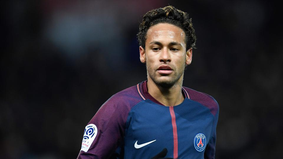 Neymar will look to continue his hot run of form when Paris Saint-Germain take on Lyon in Ligue 1.