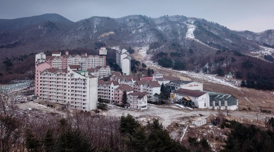 An overview of the abandoned Alps Ski Resort, a former holiday destination in in Heul-ri, South Korea. Once South Korea's oldest winter sports destination, it attracted thousands of skiers every year until abruptly shutting in 2006. As the country prepares to host the 2018 Winter Olympics, pumping $800 million into new venues, the resort stands in grim contrast, as the future of the new facilities remains uncertain. (Ed Jones / AFP)