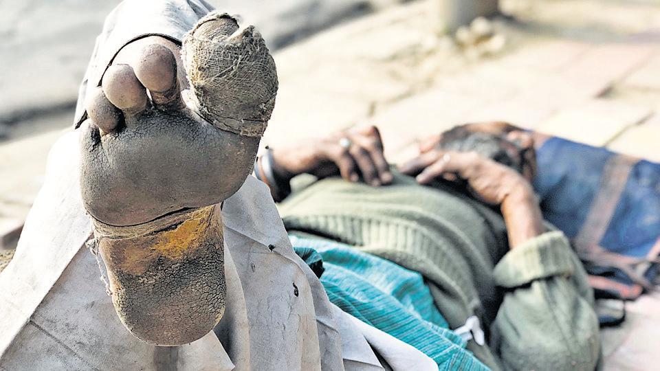 Rajkumar's foot was dressed by some good Samaritans at a gurdwara.