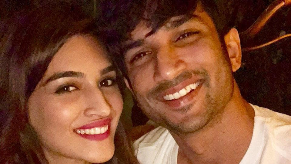 Kriti Sanon wished Sushant Singh Rajput on his birthday with a sweet pic.