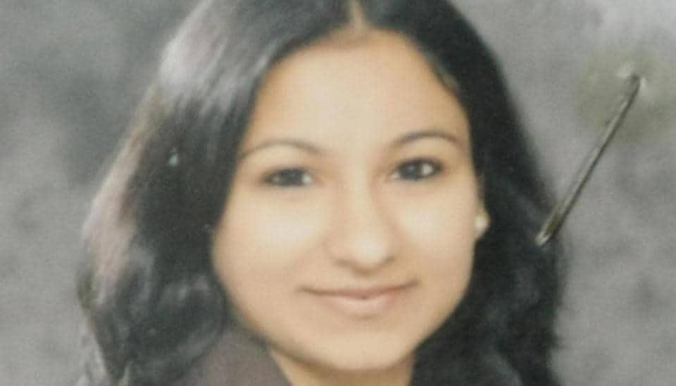 Chandigarh,Designer kills self,Chandigarh crime