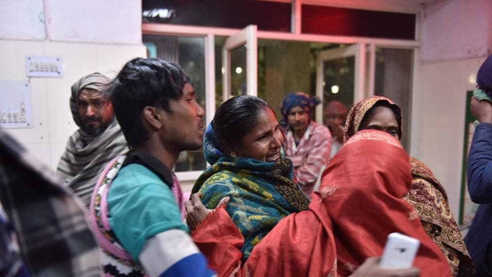 At least 10 women and seven men were charred in the fire the firecracker factory. In this photo, families of the people injured or killed in the fire seek news about them at a hospital. (Sanchit Khanna/ HT Photo)