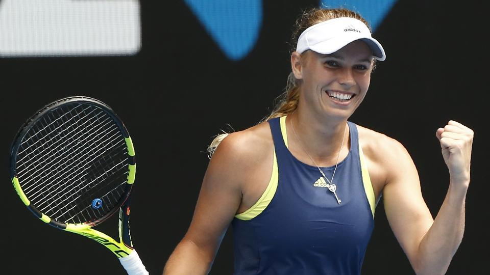 Australian Open 2018: Wozniacki downs Suarez Navarro to reach semi-final