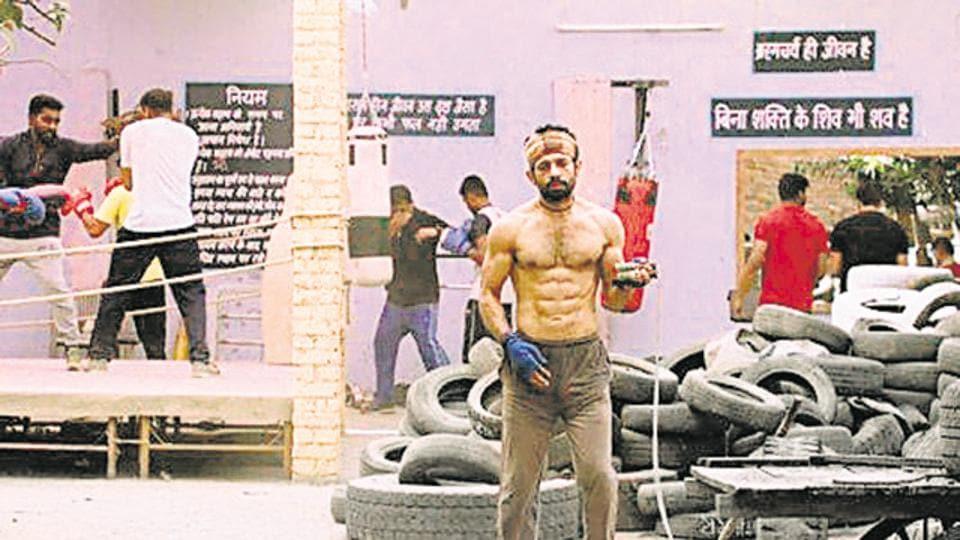 Tire Flipping Workout,Mukkabaaz,Boxer training