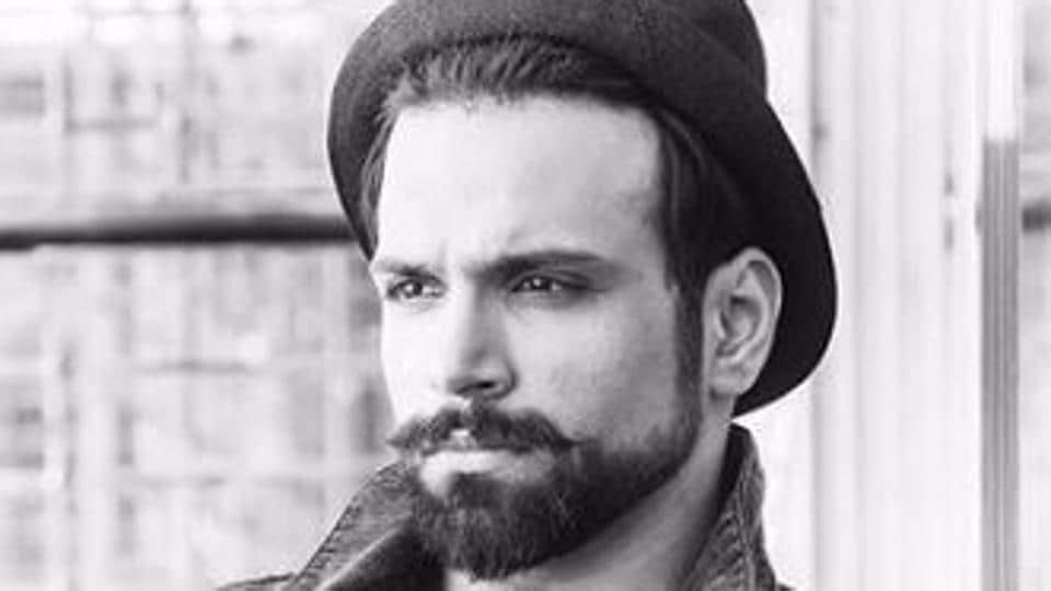 Rithvik Dhanjani is the host of the ongoing show India's Best Dramebaaz.