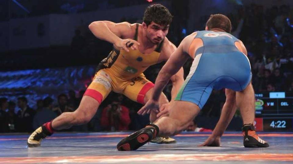 Veer Maratha's Parveen Rana (L) faces off against Delhi Sultan's Vinod Omprakash. Veer Marathas, the debutant Pro Wrestling League team from Mumbai, hold the distinction of coming into existence thanks to conversations on a WhatsApp group.