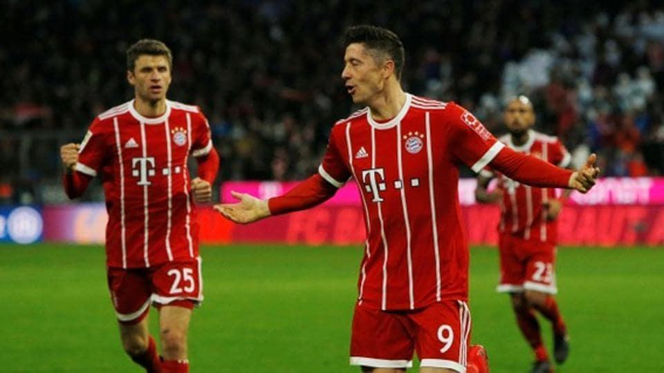 Robert Lewandowski and Thomas Mueller starred for Bayern Munich in their Bundesliga game against Werder Bremen.