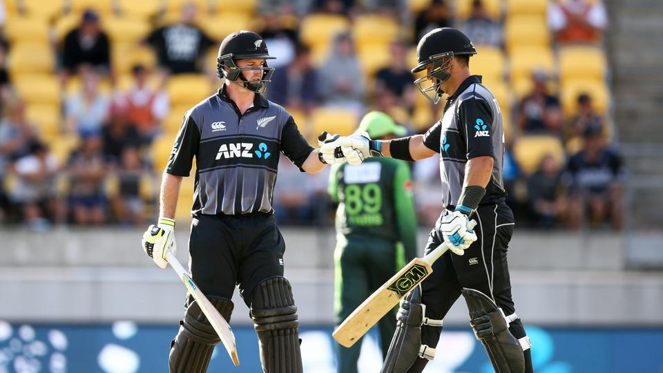 New Zealand continued their dominant run at home with a convincing seven-wicket win against Pakistan in Wellington.